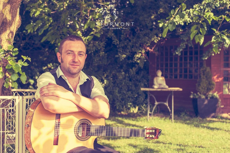 bedfordshire wedding spanish music guitar guitarists garden music
